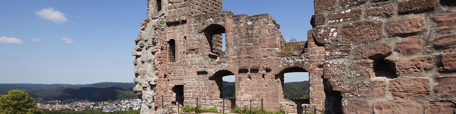 Burganlage Altdahn © GDKE, U. Pfeuffer